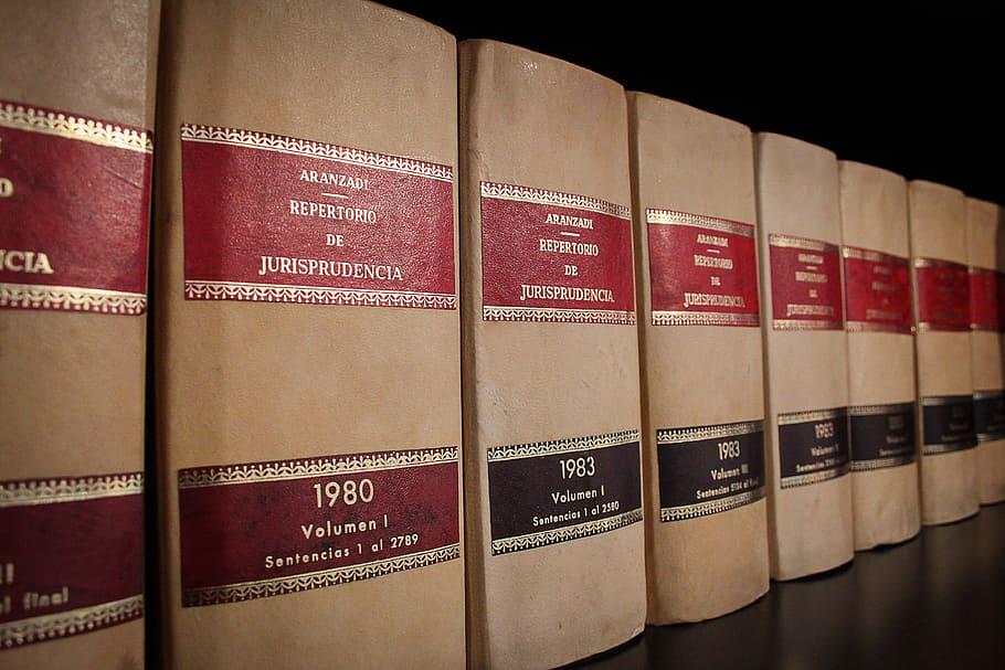 lainsäädäntö muutos kirjat